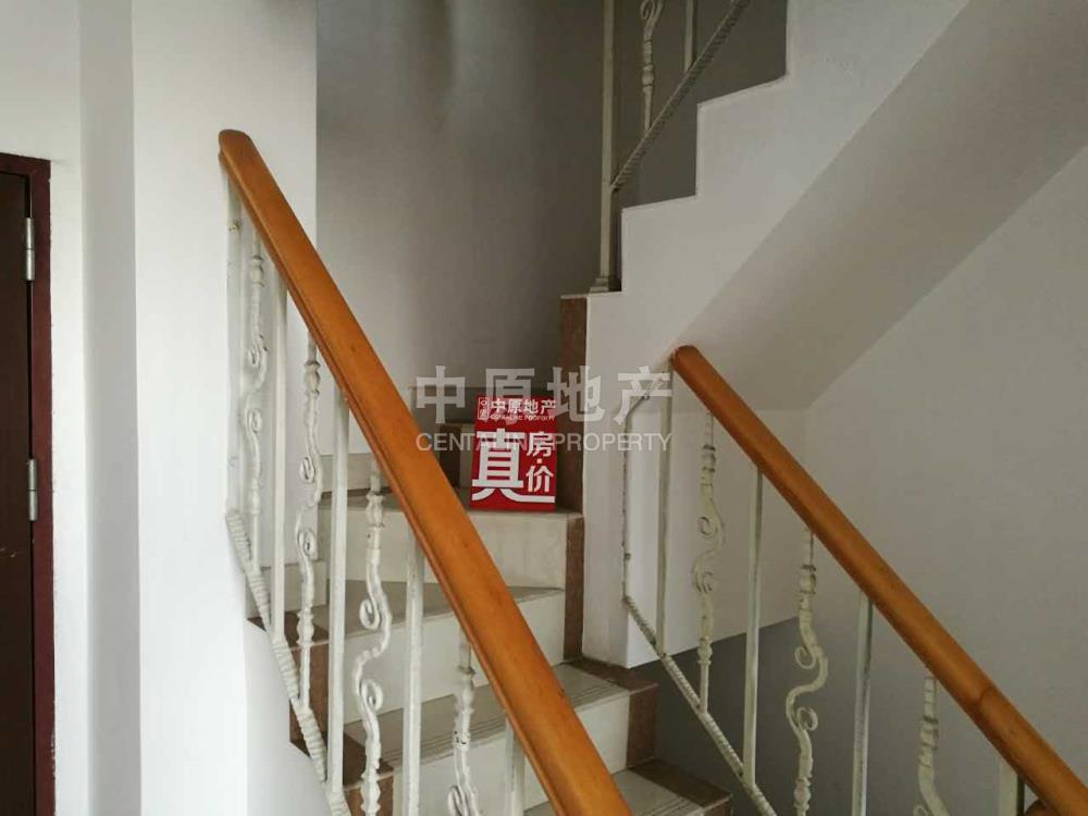 财富公寓 视野开阔 带装修房子保养好